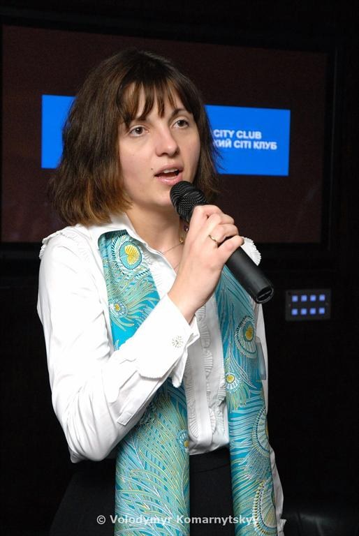 Irina Tymczyszyn (Ukrainian-British City Club) greets the guests