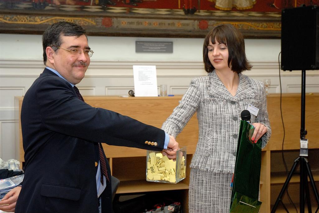 Yaroslav Voitko (Trade Mission of Ukraine) draws a lucky ticket