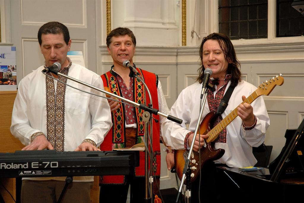 Ukrainian kolyadky by Zemlyaky band