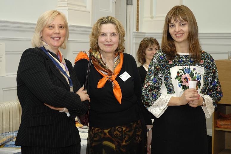 Anna Brett (Lufthansa), Tamara Demidenko (Danusha Fine Arts) and Irina Tymczyszyn (UBCC)